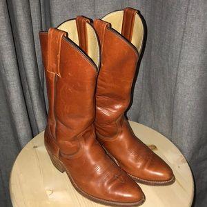 Women's size 9, Frye Cowboy boots.
